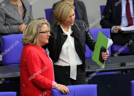 German Minister of Environment, Svenja Schulze (L), and German Minister of Food and Agriculture, Julia Kloeckner (R), attend a session of the German parliament 'Bundestag' in Berlin, Germany, 15 November 2019. The plenary dealt, among other issues, about climate protection, unemployment insurance and energy policies.