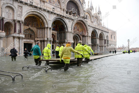 A view of St. Mark's Square just before its closure, in Venice, Italy, 15 November 2019. Venice is to close St Mark's Square due to fresh flooding in the city. The city is currently suffering its second-worst floods on record, with the high-water mark reaching 187cm on Tuesday. The water level had dropped down significantly but it is forecast to go back up to 160cm on today.