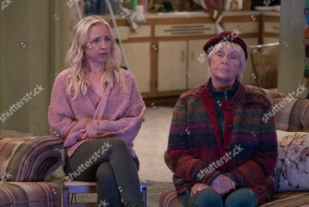 Stock Image of Lecy Goranson as Becky Conner-Healy and Estelle Parsons as Beverly Harris