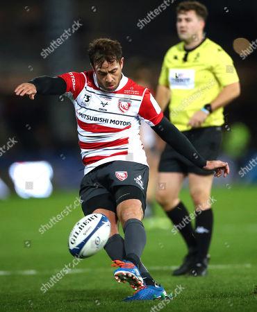 Gloucester vs Toulouse. Gloucester's Danny Cipriani kicks a penalty