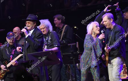 Stock Image of James Burton, Micky Dolenz, Brian May, Tanya Tucker, Steve Wariner