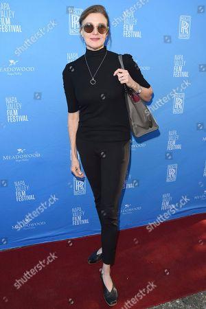 Brenda Strong attends the Olivia Wilde Raymond Vineyards Tribute of the 'Trailblazer' Award held at Raymond Vineyards