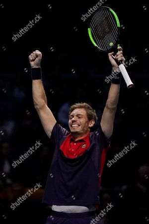 France's Nicolas Mahut reacts after winning the mens doubles semi final match with his partner Pierre-Hugues Herbert of France against Lukasz Kubot of Poland and Marcelo Melo of Brazil at the ATP World Tour Finals tennis tournament in London, Britain, 16 November 2019.