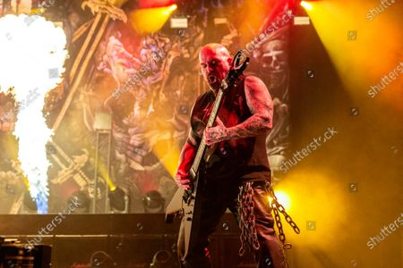 Slayer - Kerry King perfroming during 'The Final Campaign' tour