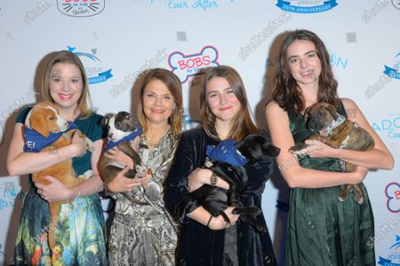 Kathryn Erbe and guests attend the North Shore Animal League, America's Annual Get Your Rescue On Gala at Pier Sixty New York City