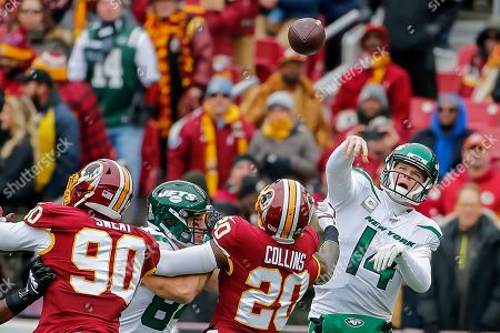 New York Jets quarterback Sam Darnold (R) in action against Washington Redskins safety Landon Collins (C) and Redskins linebacker Montez Sweat (L) during the first half of the NFL American football game between the New York Jets and the Washington Redskins at FedEx Field in Landover, Maryland, USA, 17 November 2019.