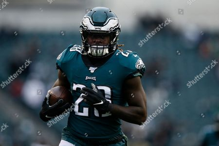 Philadelphia Eagles' Jay Ajayi warms up before an NFL football game against the New England Patriots, in Philadelphia