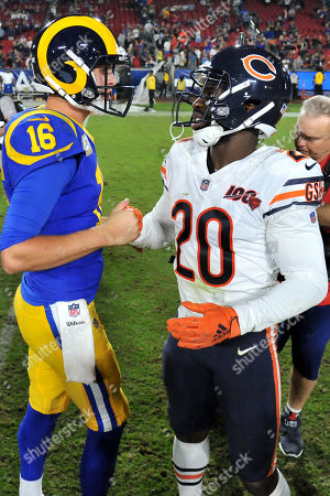 Los Angeles, CA.Los Angeles Rams quarterback Jared Goff #16 and Chicago Bears cornerback Prince Amukamara #20 shakes hands after the NFL football game against the Chicago Bears at the Los Angeles Memorial Coliseum in Los Angeles, California..The Los Angeles Rams defeat the Chicago Bears 17-7.Mandatory Photo Credit: Louis Lopez/CSM
