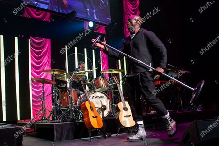 Seal performs during the annual Andy Roddick Foundation Gala at ACL Live