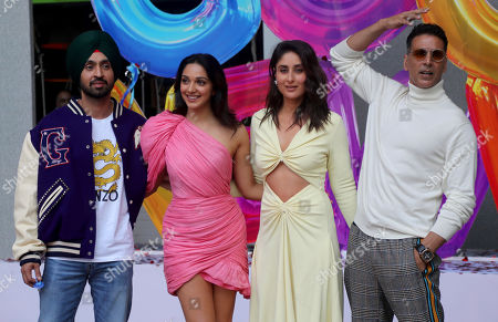 Akshay Kumar, Kareena Kapoor, Diljit Dosanjh, Advani. Bollywood actors from right, Akshay Kumar, Kareena Kapoor, Kiara Advani and Diljit Dosanjh pose for photographs during the trailer launch of their upcoming film Good Newwz in Mumbai, Monday, Nov.18, 2019. The film is scheduled to be released on