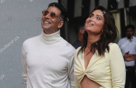 Akshay Kumar, Kareena Kapoor. Bollywood actors Akshay Kumar, right, along with Kareena Kapoor look on during the trailer launch of their upcoming film Good Newwz in Mumbai, Monday, Nov.18, 2019. The film is scheduled to be released on