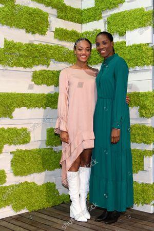 Fiona May (R) and daughter Larissa Iapichino