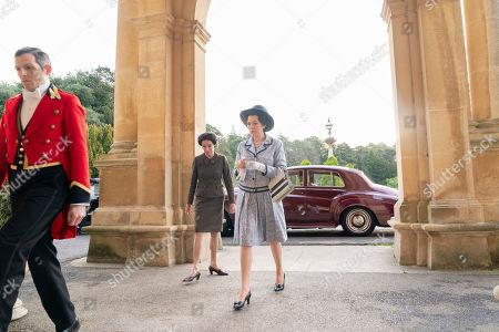 Geraldine Chaplin as Wallis Simpson and Olivia Colman as Queen Elizabeth II