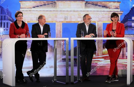 Candidates couples Olaf Scholz (2-L), with Klara Geywitz (L) and Saskia Esken (R) with Norbert Walter-Borjans (2-R) during a debate for the new leadership of the Social Democratic Party (SPD) in Berlin, Germany, 18 November 2019. The candidate couples Norbert Walter-Borjans and Saskia Esken as well as Olaf Scholz and Klara Geywitz are contesting in the run-off election before a party conference in December formally approves the new leadership.