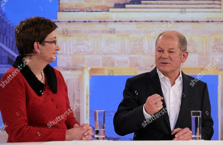 Candidates couple Olaf Scholz (R), with Klara Geywitz (L) during a debate for the new leadership of the Social Democratic Party (SPD) in Berlin, Germany, 18 November 2019. The candidate couples Norbert Walter-Borjans and Saskia Esken as well as Olaf Scholz and Klara Geywitz are contesting in the run-off election before a party conference in December formally approves the new leadership.