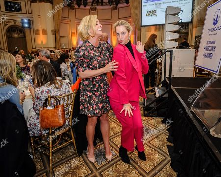 Jane Krakowski, left, and Ali Wentworth attend the Citymeals on Wheels 33rd annual Power Lunch for Women at The Plaza Hotel, in New York