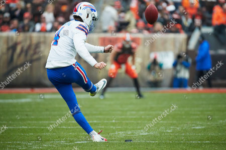 Buffalo Bills kicker Stephen Hauschka (4) kicks off against the Cleveland Browns during an NFL game on in Cleveland, O.H