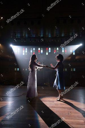 Jessie Mueller as Loretta Lynn and Megan Hilty as Patsy Cline