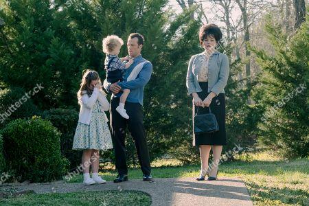 Kyle Schmid as Charlie Dick and Jessie Mueller as Loretta Lynn