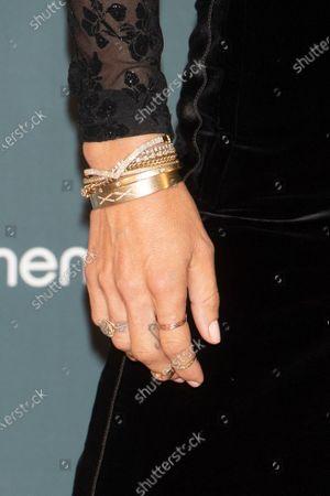 Elsa Pataky, jewelry detail