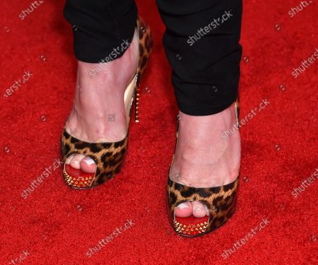 Alison Sweeney, shoe detail