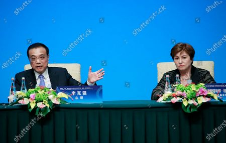 Chinese Prime Minister Li Keqiang (L) and International Monetary Fund (IMF) Managing Director Kristalina Georgieva (R), attend a press conference at the Fourth 1+6 Round Table Dialogue at Diaoyutai State Guest House in Beijing, China, 21 November 2019. Li Keqiang and leading officials from major international financial organizations attended the event for discussions on global economic trends, macro policies coordination and China's economic reform and global economic governance.