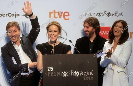 Antonio de la Torre (L), Silvia Abascal (2-L), director Daniel Sanchez Arevalo (2-R) and presenter Elena Sanchez (R) react during the presentation of the 25th Jose Maria Forque Film Awards in Madrid, Spain, 21 November 2019.