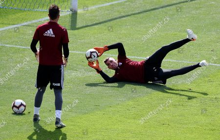 Goalkeeper Franco Armani of Argentina's River Plate, catches the ball during a practice session in Lima, Peru, . River Plate will play Brazil's Flamengo on Saturday, in the Copa Libertadores final match