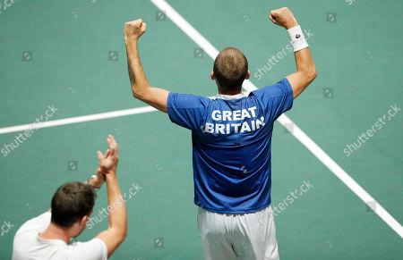 Stock Picture of Captain of Great Britain Leon Smith applauds Dan Evans versus Germany