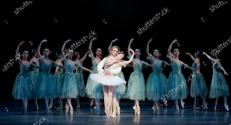 Stock Image of Natalia Osipova as Aurora, David Hallberg as Florimund
