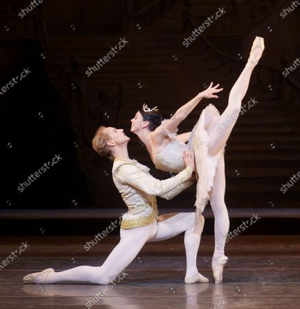 Stock Picture of Natalia Osipova as Aurora, David Hallberg as Florimund