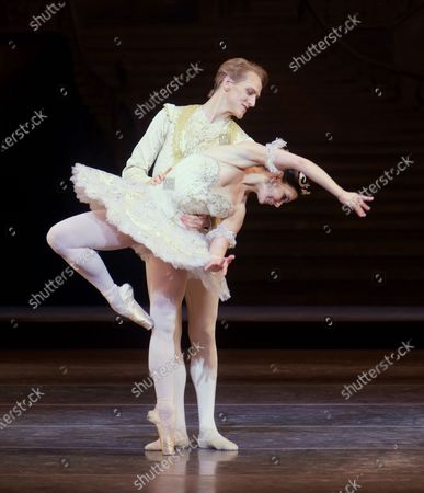 Stock Photo of Natalia Osipova as Aurora, David Hallberg as Florimund