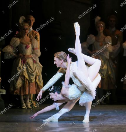 Natalia Osipova as Aurora, David Hallberg as Florimund