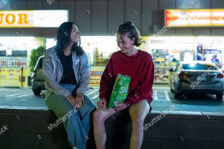 Fivel Stewart as Izzie and Brigette Lundy-Paine as Casey Gardner