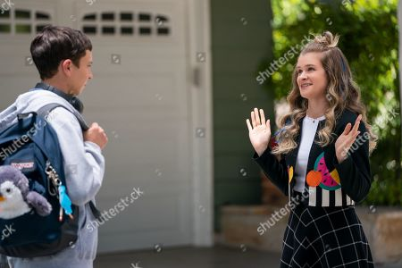 Stock Photo of Keir Gilchrist as Sam Gardner and Jenna Boyd as Paige