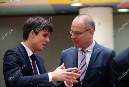 Belgium's Regional Flemish Minister Benjamin Dalle (L) and EU Commissioner for Culture Tibor Navracsics (R) during a European Youth, Culture and Sports Council  in Brussels, Belgium, 22 November 2019.