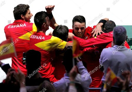 Roberto Bautista Agut of Spain celebrates with the team versus Canada