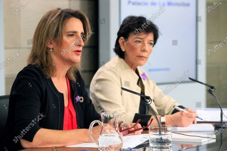 Spanish acting Ecological Transition Minister, Teresa Ribera (L) and Spanish acting Minister of Education and Government's spokeswoman Isabel Celaa (R) address a press conference after the weekly cabinet meeting held at Moncloa Presidential Palace in Madrid, Spain, 22 November 2019.