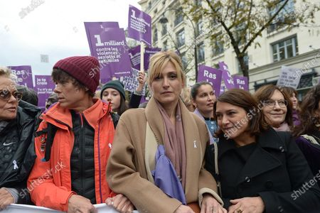 Muriel Robin, Julie Gayet, Laetitia Casta, Emma de Caunes and Laurence Rossignol during the demonstration about violence against women and to stop feminicide, following the call of the collective Nous Toutes  Several thousand people marched from the Place de l'Opera to the Place de la Republique in Paris