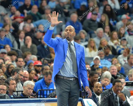 Memphis head coach, Penny Hardaway, during the NCAA basketball game between the Ole' Miss Rebels and the Memphis Tigers at the FedEx Forum in Memphis, TN. Kevin Langley/Sports South Media/CSM