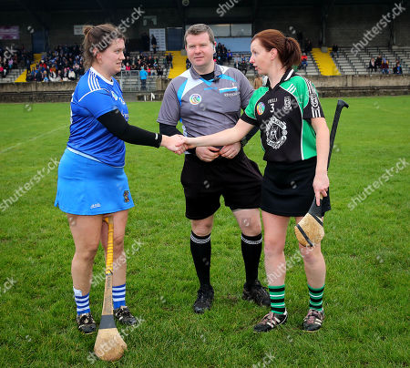 Clanmaurice (Kerry) vs Raharney (Westmeath). Clanmaurice's Liz Houlihan and Rachel O'Malley of Raharney with Referee Kevin O'Brien at the coin toss