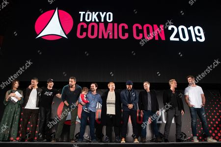 Ian Somerhalder, Zachary Levi, Daniel Logan, Rupert Grint, Orlando Bloom, Mark Ruffalo, Jude Law and Chris Hemsworth during the closing ceremony