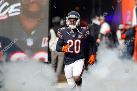 Chicago Bears cornerback Prince Amukamara (20) takes the field an NFL football game against the New York Giants in Chicago