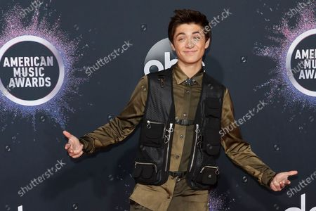 Asher Angel arrives for the 2019 American Music Awards at MMicrosoft Theater L.A. LIVE in Los Angeles, California, USA, 24 November 2019.