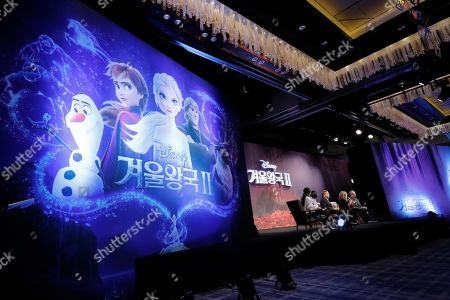 "Chris Buck, Hyun-Min Lee, Jennifer Lee, Peter Del Vecho. From right, Director Chris Buck, director Jennifer Lee, producer Peter Del Vecho, and animation supervisor Hyun-Min Lee, attend at a press conference for their new movie ""Frozen 2"" in Seoul, South Korea"