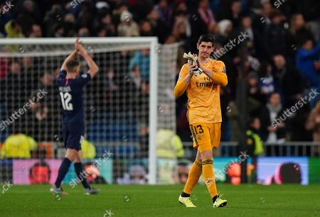 Goalkeeper Thibaut Courtois of Real Madrid thanks the fans after the final whistle