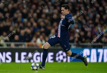 Julian Draxler of Paris Saint-Germain in action