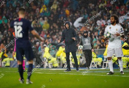 Paris Saint-Germain manager Thomas Tuchel reacts on the sideline to Thomas Meunier of Paris Saint-Germain