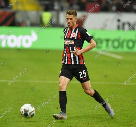 Erik Durm   Football Bundesliga Spiel  Eintracht Frankfurt  -  den  VFL Wolfsburg 23.11.2019  in Muenchen.