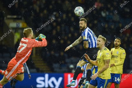 27th November 2019, Hillsborough, Sheffield, England; Sky Bet Championship, Sheffield Wednesday v Birmingham City : Steven Fletcher (9) of Sheffield Wednesday misses an chance early in the game.